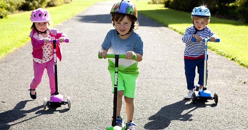 چرا کودکان باید اسکوترسواری کنند
